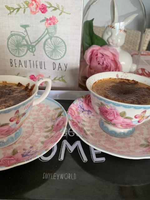 Du café, des fleurs et des gourmandises